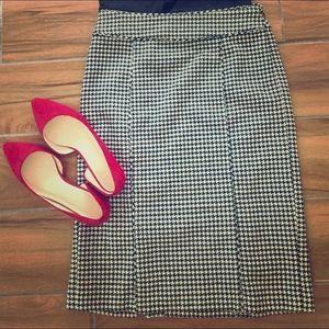 Banana Republic wool houndstooth skirt